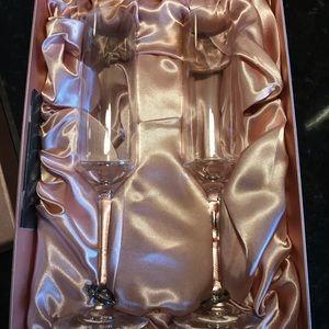 Orrefors Amor Vincit Omnia Champagne Flutes